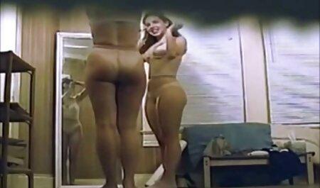 lesbienne asiatique strapon sexe plage voyeur amusant