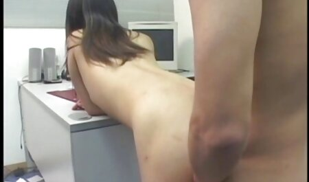 Sultry Gal Lilly Hall se fait porn voyeur plage percer par un officier