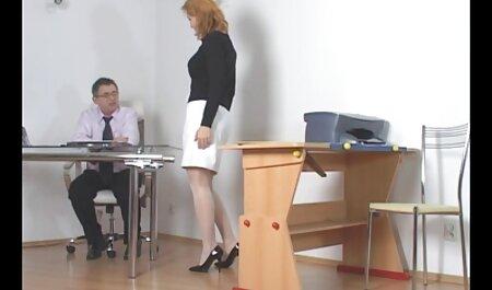 La minuscule étourdissante Raquel Diamond vidéo sexe amateur streaming prend cette énorme bite entière