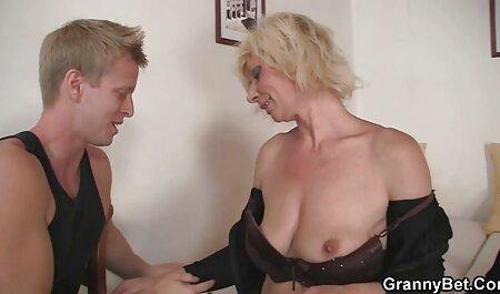KATIE-19, une blonde sexy film francais amateur x fait un casting de creampie