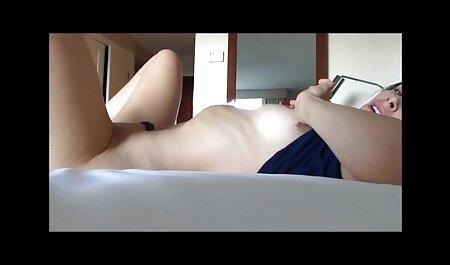 Ashly Anderson, brune aux gros seins, se fait crémer! vrai film porno amateur