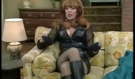 La milf anglaise Tanya Cox se fait coquine avec un gode film sexe gratuit amateur