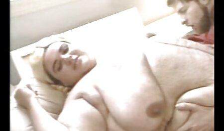 Un couple bisexuel chaud veut pimenter les choses dans sex video amateur voyeur leur lit