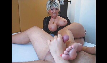 Sexy fille vidéo amateur streaming en nylon pieds