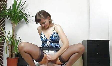TeenMegaWorld -Anal-Beauty- Babe prend le dessus pendant film libertin amateur le massage