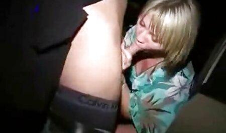 Plantureuse maman britannique baisée video xxx gratuit amateur par son fils dans la cour