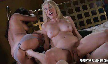 Babe film porno amateur francais exhibant son trou de cul rose