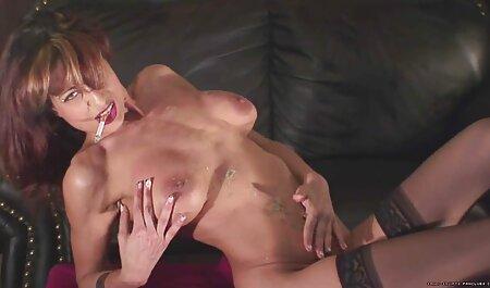 Playful Babe vous tente avec sa chatte pornos femme mature